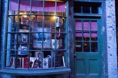 Diagon Alleyfilmuppsättning på Warner Studio, danandet av Harry Potter i London, UK arkivfoton