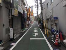 Diagon gränd på den Togoshi-Ginza shoppinggatan, Togoshi-Ginza, Shinagawa, Tokyo, Japan royaltyfri fotografi