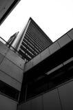 Diagonala linjer av moderna byggnader Arkivfoton