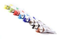 Diagonale regenboog van verven die op wit worden geïsoleerdr Royalty-vrije Stock Foto's