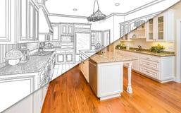 Diagonaler geteilter Bildschirm der Zeichnung und Foto der neuen Küche Lizenzfreies Stockbild