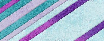 Diagonalny lampasa wzór w pastelowym błękitnej zieleni menchii i purpur materialnym projekcie z warstwami kształty, abstrakcjonis Zdjęcie Stock