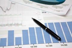Diagram en pen. Stock Afbeelding