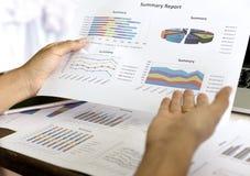 Diagram för information om affärsgraf, teamwork Arkivbild