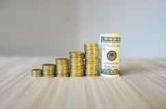 Diagrama das moedas e dos dólares Foto de Stock Royalty Free