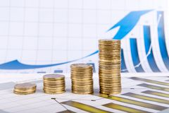 Diagrama do negócio no relatório financeiro Imagens de Stock