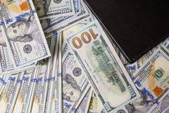 Diagramas do negócio em relatórios, em dólares e no diâmetro financeiros do negócio imagens de stock