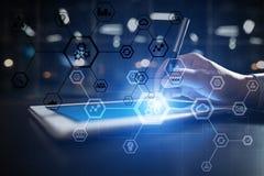 Diagramma della struttura di affari, automazione, ERP o industria 4 0 concetti sullo schermo virtuale del pc moderno immagini stock libere da diritti