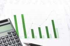 Diagramma di affari che mostra successo finanziario fotografia stock