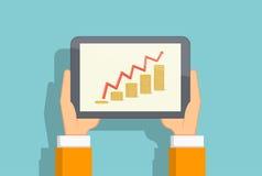 Diagramme croissant des pièces de monnaie sur l'écran de comprimé Images stock