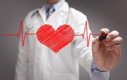 Diagramme de battement de coeur d'ecg de dessin de docteur photos stock