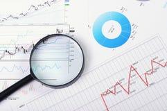 Diagramme und Diagramme von Verkäufen Lizenzfreies Stockbild