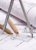 Diagrammes et accessoires électriques roulés pour le dessin photo stock