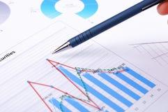 Diagrammi e grafici delle vendite Fotografia Stock Libera da Diritti