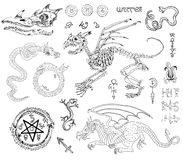 Diagramuppsättning med skelett, drakar och mystikersymboler stock illustrationer