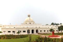 Dial de Sun en el edificio administrativo de IIT Roorkee imagen de archivo libre de regalías