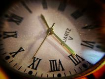 Dial de un reloj viejo Imagenes de archivo