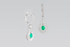diamantörhängesilver två royaltyfri foto
