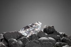 Diamant dans le rugueux Images stock