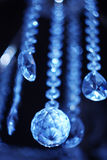 Diamant im Hintergrund des Ultramarines Lizenzfreies Stockbild