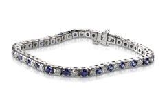 Diamant och Sapphire Tennis Bracelet arkivfoton