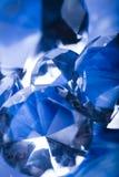Diamant op blauwe achtergrond Royalty-vrije Stock Afbeeldingen