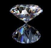 Diamant op zwarte achtergrond met het knippen van weg Royalty-vrije Stock Foto's