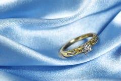 Diamant sur le bleu Photos stock