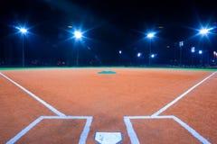 Diamante de basebol na noite Imagem de Stock Royalty Free
