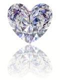 Diamante na forma do coração no backgrou branco lustroso Imagem de Stock