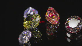 Diamanten auf Schwarzem stock footage