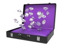 Diamanten, die innerhalb des Koffers 3D fallen Stockfotos