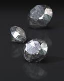 Diamanten op donkere achtergrond Royalty-vrije Stock Foto