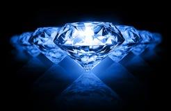 Diamanten op donkere achtergrond Stock Foto