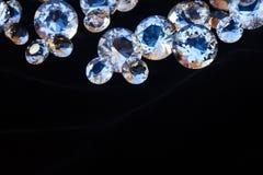 Diamanten op zwarte Stock Afbeeldingen