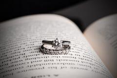 Diamanten ringer Royaltyfria Bilder