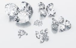 Diamanten sortiert entsprechend Größe stock abbildung