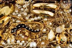 Diamantes e ouro Imagens de Stock Royalty Free