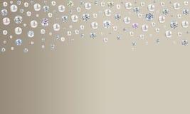 Diamantes e pérolas que chovem da parte superior no cetim pálido b do marrom do taupe ilustração stock