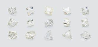 Diamanti differenti di forme isolati su fondo bianco Fotografie Stock Libere da Diritti
