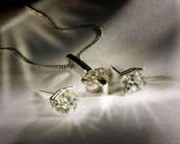 Diamanti Earings e pendente Immagini Stock