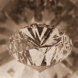 Diamanti isolati sul modello scuro 3d Immagini Stock Libere da Diritti
