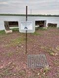 Diamantmarkierungs-Dosenschildkröten-Nest geschützt durch einen Käfig, Wiesen, NJ, USA Stockfotos