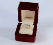 Diamantring in een doos Royalty-vrije Stock Foto's