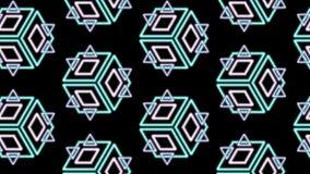 Diamants et cubes de triangles dans un modèle sur le noir photographie stock libre de droits