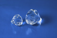 Diamants sur le bleu image stock