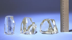 Diamants synthétiques non coupés Image stock