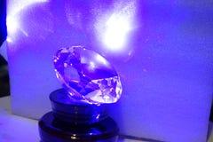 Diamantvormig kristal in blauw Royalty-vrije Stock Foto