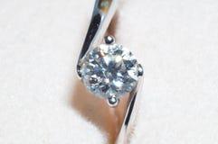 Diamentowy pierścionek Zdjęcia Royalty Free