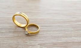 Diamentowy pierścionek, obrączka ślubna, obrączki ślubnej panny młodej cena gradientową wycinek ilustrację do cyfrowej sieci symb Zdjęcia Stock